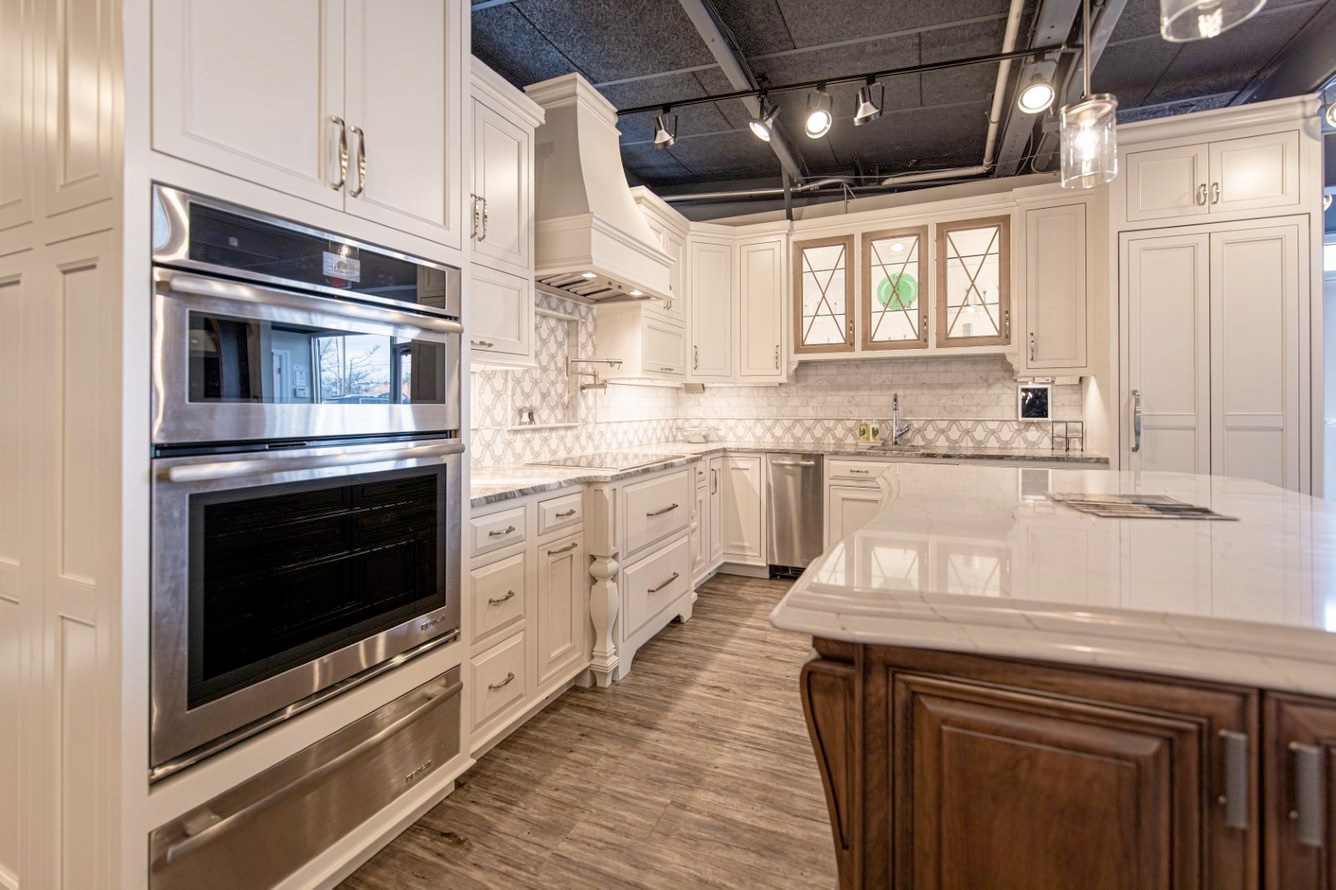 Des Peres Showroom Kitchen Display 4