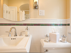 Bathroom With Pedestal Sink - Sink Design