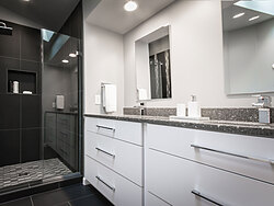 Modern Bathroom - Sink Design