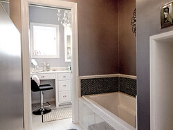 Modern Divided Bathroom - Bath Tub