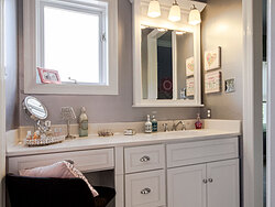 Modern Divided Bathroom - Vanity