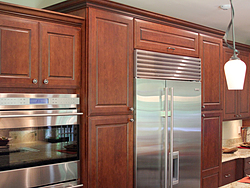 Traditional Midwest Kitchen - Full Length Cabinets