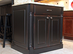 Traditional Midwest Kitchen - Island Cabinets