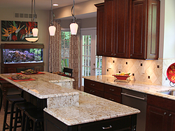 Traditional Midwest Kitchen - Island Countertop