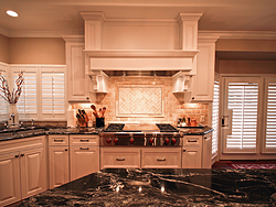 Large Kitchen With Island - Stovetop
