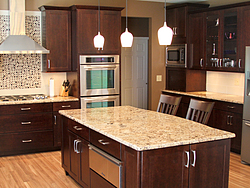 Warm Kitchen With Backsplash Details - Island Design