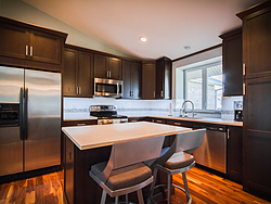 Contemporary Kitchen With Shaker Cabinets Design