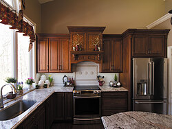 Traditional Kitchen With Center Island - Cabinet Design