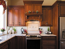 Traditional Kitchen With Center Island - Stove