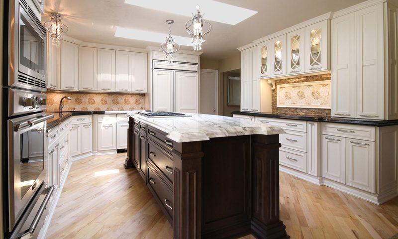 White Kitchen With Marble Island   Two Tone Kitchen