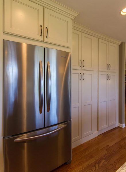 Full Kitchen Cabinets Henry | Full Length Kitchen Cabinets | St. Louis Design